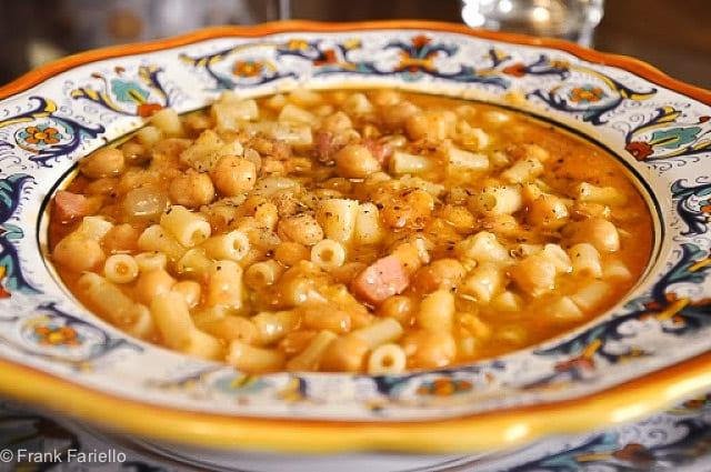 Pasta e ceci (Pasta and Chickpeas)