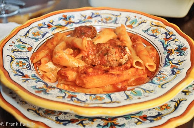Zitoni al forno con le polpettine (Baked Ziti with Tiny Meatballs)
