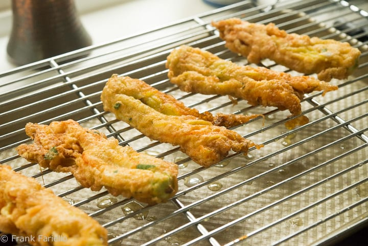 Fiori di zucca fritti (Fried Zucchini Blossoms)