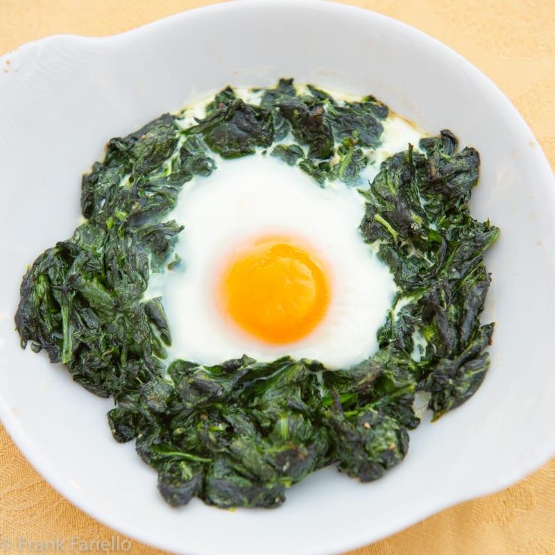 Uova alla fiorentina (Real Eggs Florentine)