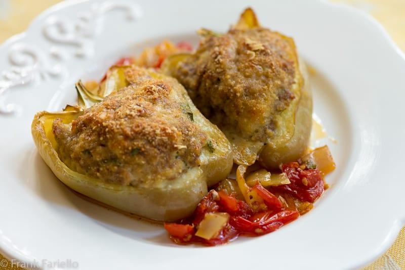 Italian Meat Stuffed Peppers (Peperoni ripieni di carne)