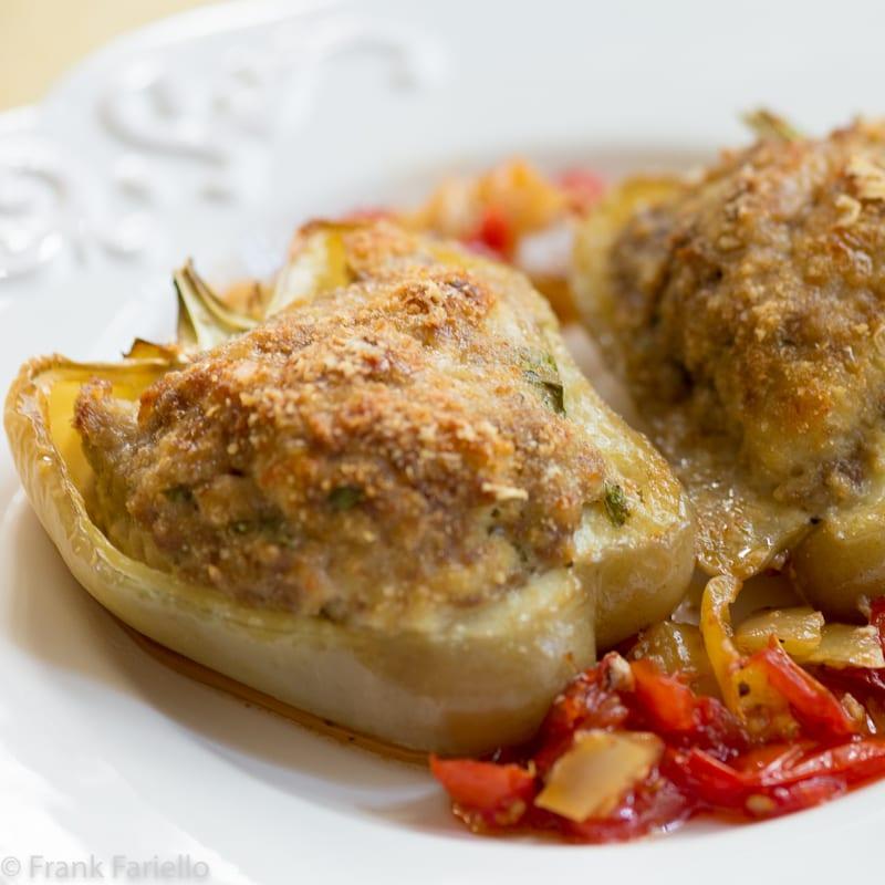 Peperoni ripieni di carne (Meat-Stuffed Peppers)