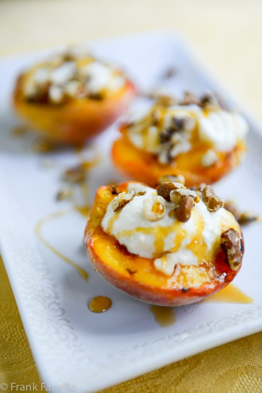 Pesche alla griglia (Grilled Peaches)