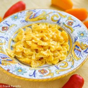 Pasta alla crema di peperoni (Pasta with Bell Pepper Cream Sauce)